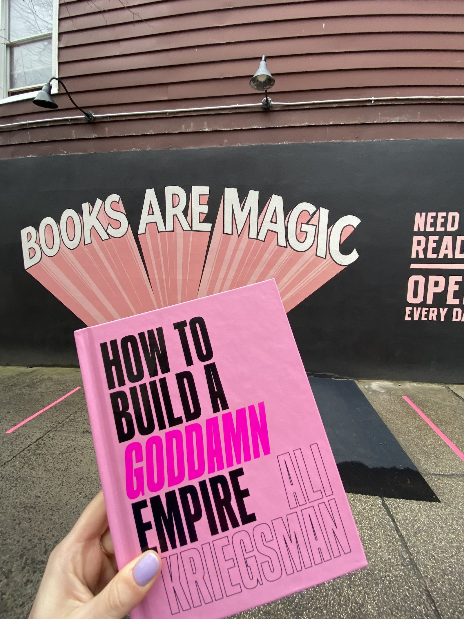 """Order """"How to Build a Goddamn Empire"""" ➡️"""